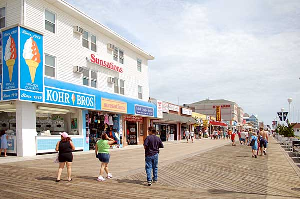 Looking North at Talbot Street on the Boardwalk
