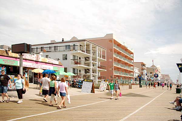 Looking North at 5th Street on the Boardwalk