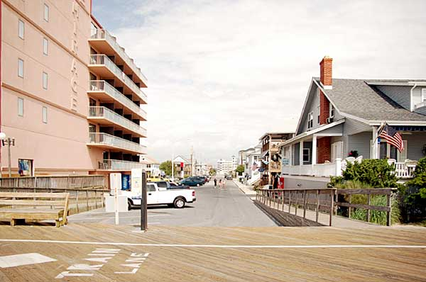 Looking West Along 10th Street From The Oc Boardwalk
