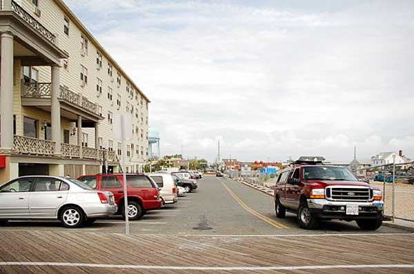 Looking West along 15th Street from the OC Boardwalk