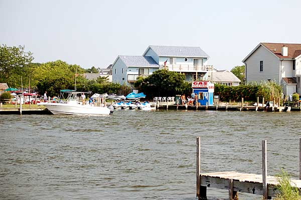 Full service marina - pontoon boat rentals, wave runner rentals and parasailing. Boat - Ocean City Maryland