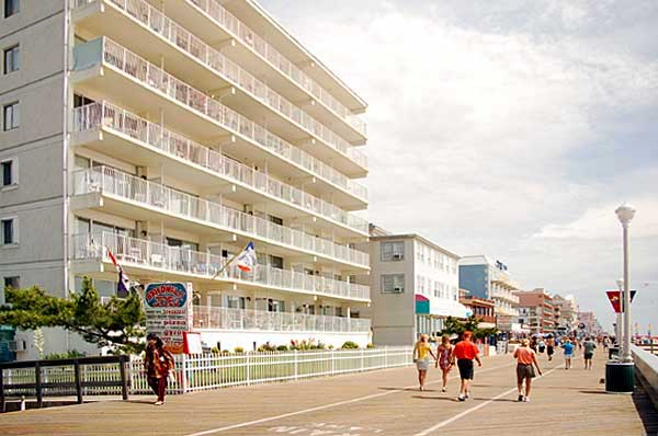 El Capitan Condo, an Ocean City Vacation Rental Condominium at 4th St. on the Boards. - Ocean City Maryland