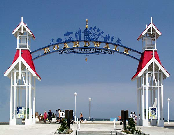 Boardwalk Welcome Arch at Division Street